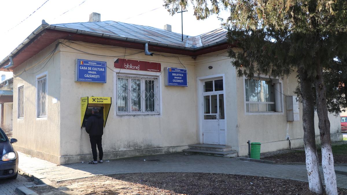 Casa de Cultură și Biblioteca din Căzănești, Ialomița. FOTO Liliana Boioglu