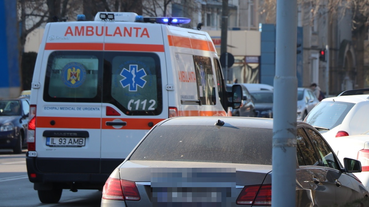 Ambulanță în misiune. FOTO Adrian Boioglu