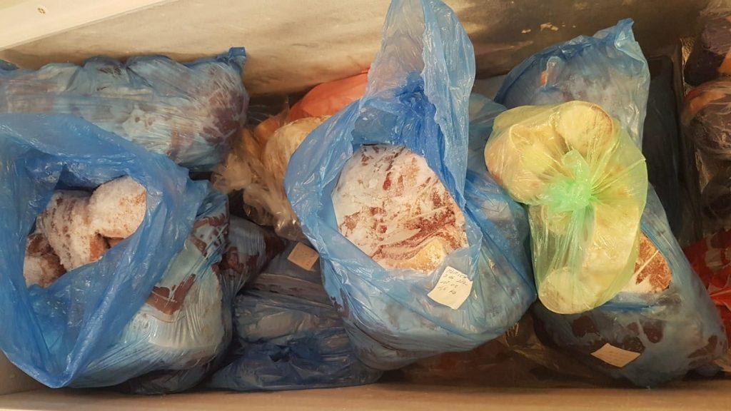 Comisarii OPC au verificați 10 operatori economici din Slobozia, care comercializau produse alimentare și nealimentare. FOTO ANPC