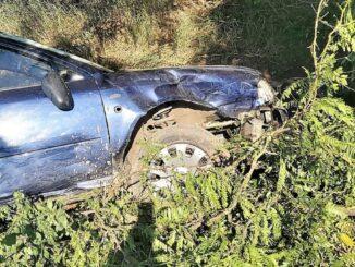 Șofer rănit ușor după ce s-a răsturnat cu autoturismul în Valea Măcrișului. FOTO IPJ Ialomița