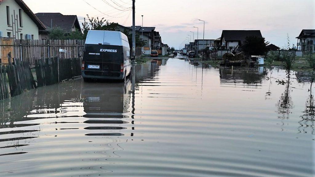 Peste 100 de locuințe și gospodării, afectate de ploile torențiale. FOTO ISU Ialomița
