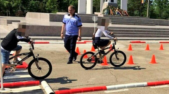 Percheziții la persoane bănuite de comiterea unor infracțiuni de furt calificat, FOTO Facebook IPJ Ialomița