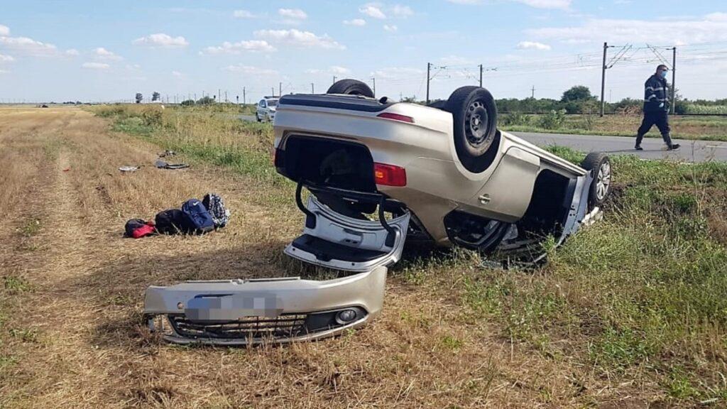 Accident rutier soldat cu rănirea a trei persoane, între Țăndărei și Bărăganul. FOTO IPJ Ialomița