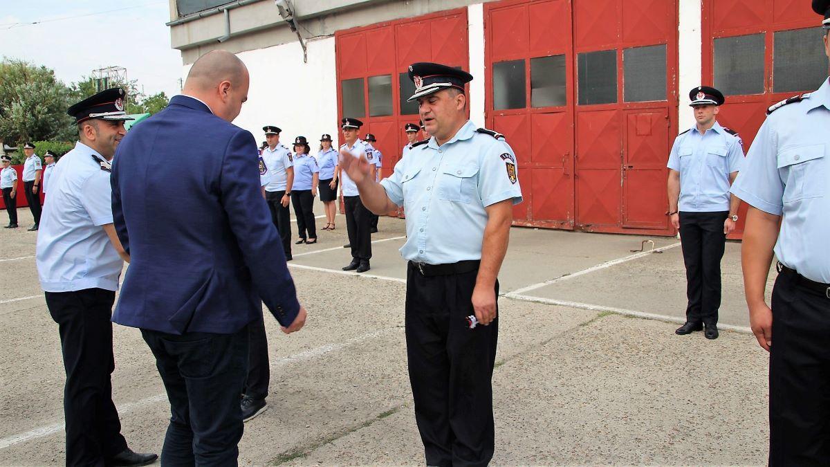 Zi plină de emoții la sediul ISU Ialomița: cinci ofițeri și 48 de subofițeri au fost avansați în grad