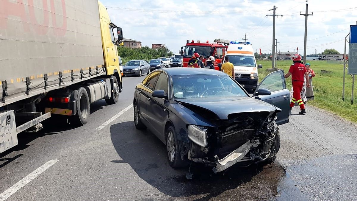 Intervenție a salvatorilor ialomițeni la două accidente rutiere petrecute în Urziceni și satul Tovărășia