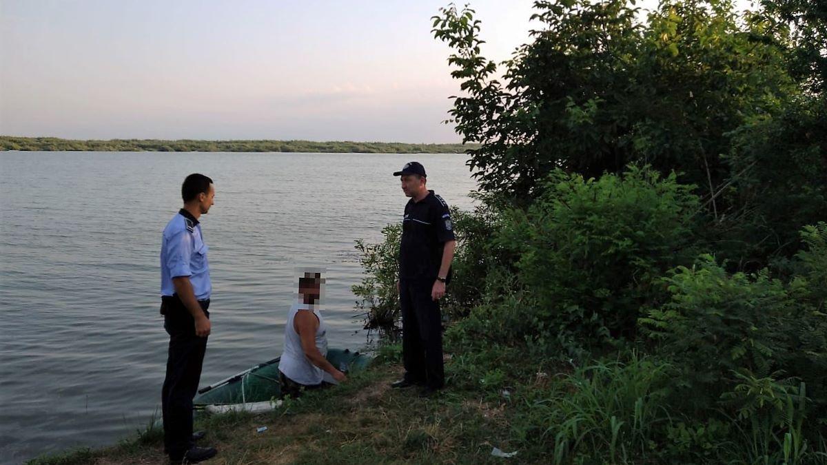 Acțiune a polițiștilor ialomițeni pentru combaterea braconajului piscicol