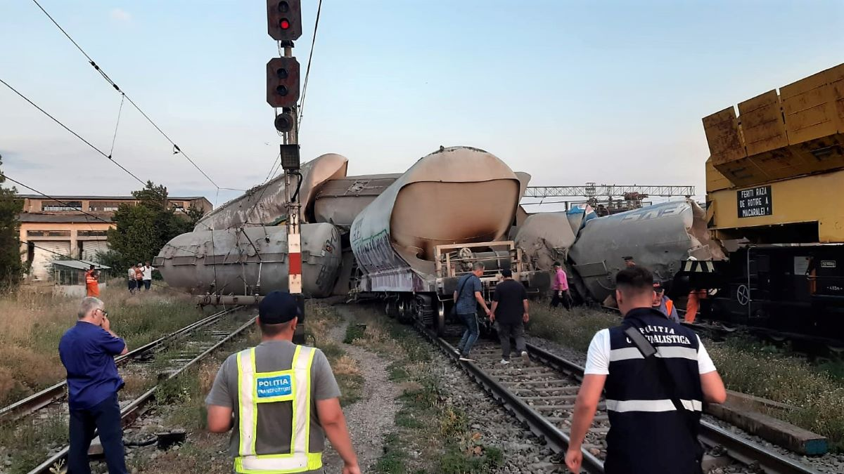 Mecanicul de locomotivă care a provocat accidentul din Gara Fetești a fost reținut